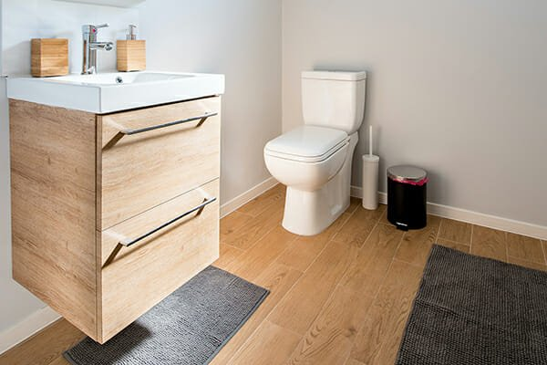 Hardwood Floors in the Bathroom – What to Know