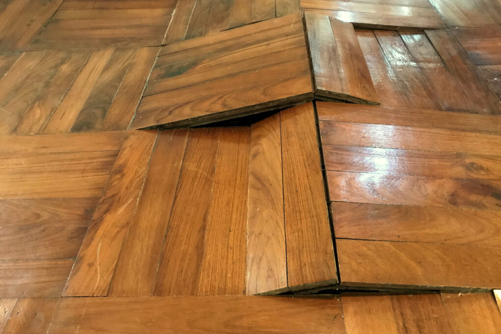 Does humidity affect wood floors